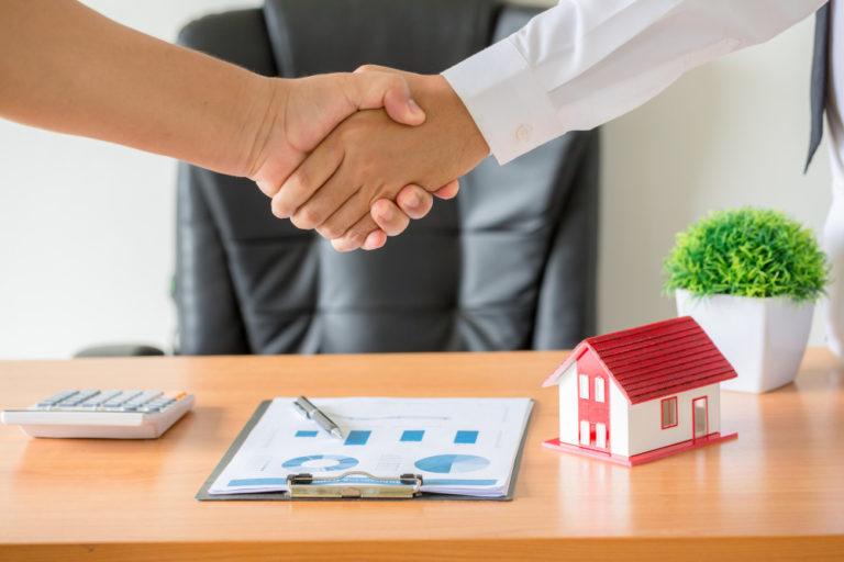 Escriturar una vivienda con un valor inferior: Riesgos y consecuencias